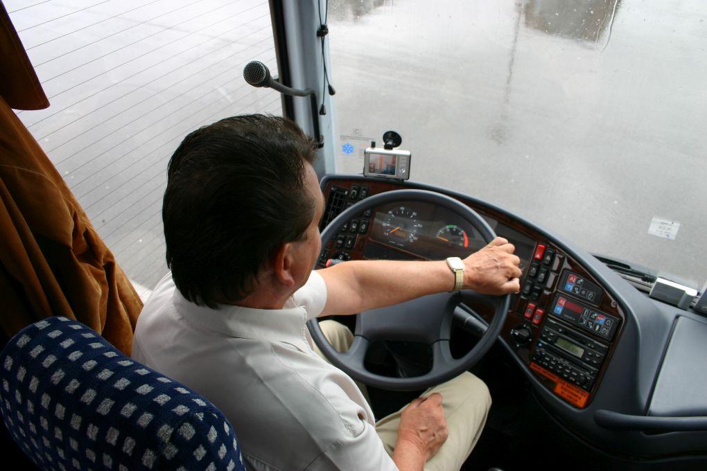 wynajem busow z kierowca na wycieczke
